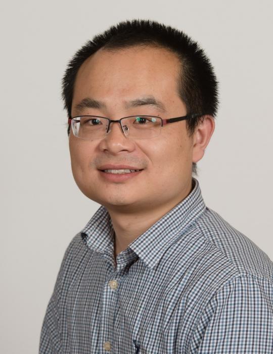 Dr Gavin Dong